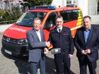 Brauerei C. & A. Veltins spendet neues Führungsfahrzeug für die Löschgruppe Grevenstein