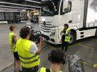 Trucker Babe Angelika bringt  VELTINS-Ladung nach Mallorca