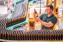 Die Brauerei C. & A. Veltins legte 2019 deutlich über Markttrend zu und erreichte eine neue Bestmarke.